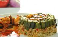اعداد قالب بامية مع أرز بالأعشاب