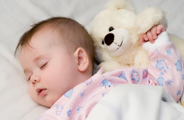 موسوعه كامله لكيفيه رعايه الطفل حديث الولاده