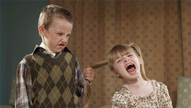 عدوان الاطفال كيف تحدين منه