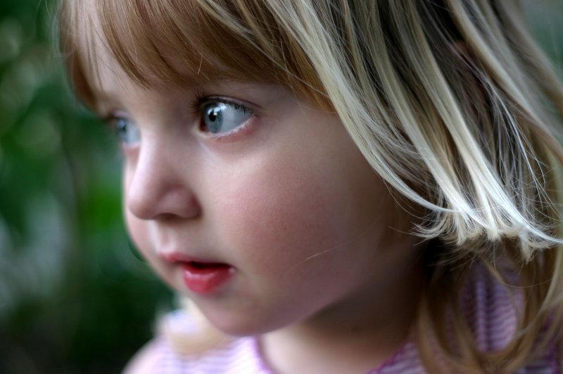 العناية بشعر الاطفال