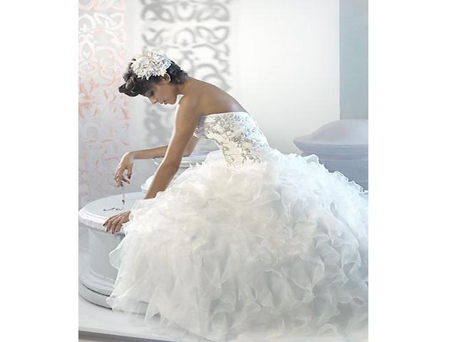 العروس … ووالدها في يوم زفافها !